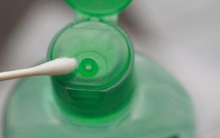پاک کردن بدلیجات با الکل و گوش پاک کن