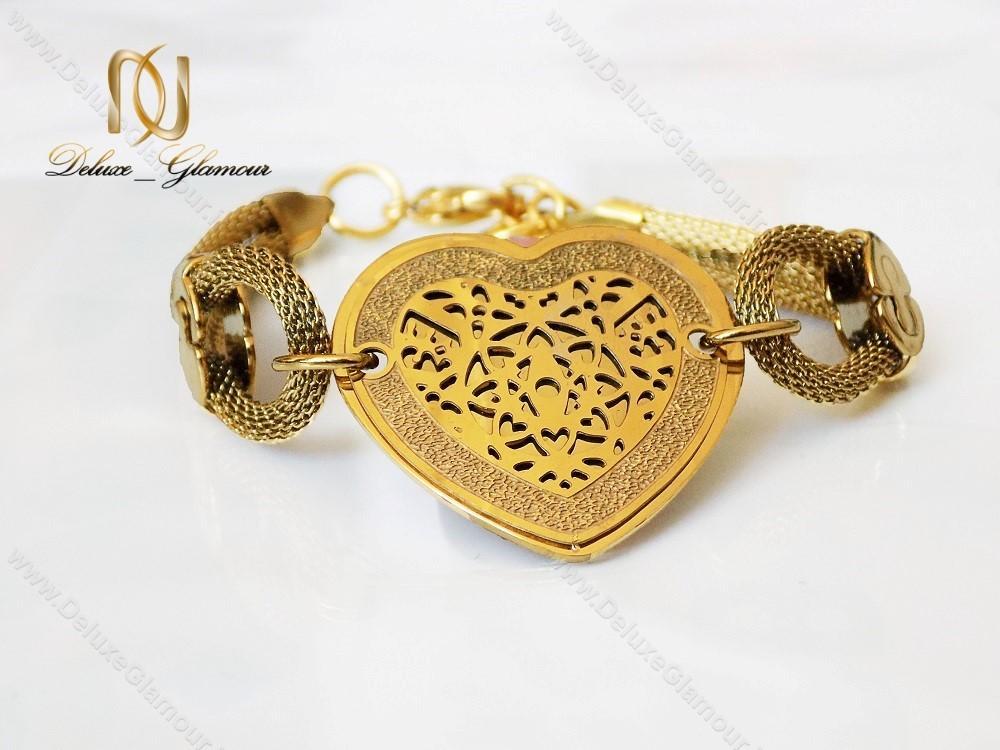 دستبند استیل زنانه زنجیری طلایی طرح قلب ds-n123 از روبرو نزدیک