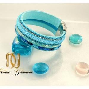 دستبند دخترانه چرم رنگی آبی روشن عریض ds-n125 روی سنگ