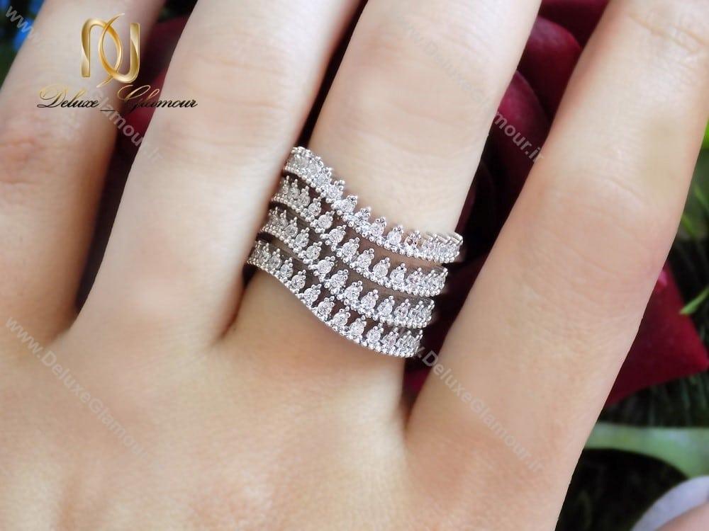 انگشتر زنانه Clio کلیو 4رج با کریستال های سواروسکی rg-n122 روی دست