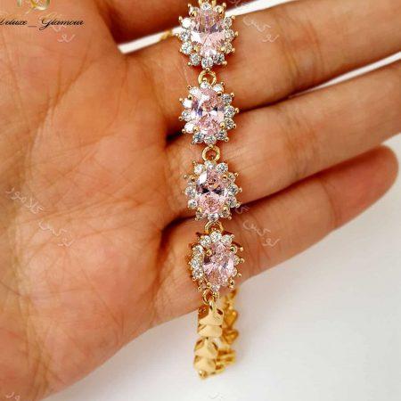 دستبند دخترانه نگین دار ژوپینگ xuping صورتی ds-n130 بر روی دست