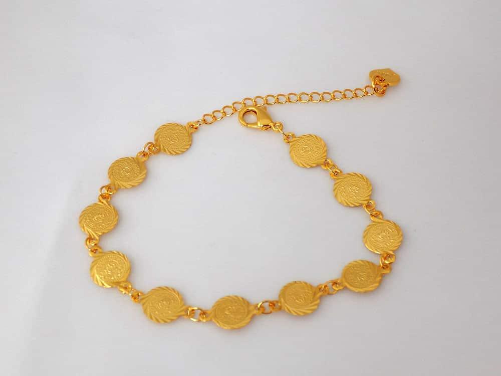 دستبند سکه ای طرح طلا دخترانه - سکه ریز ds-n12 از بالا