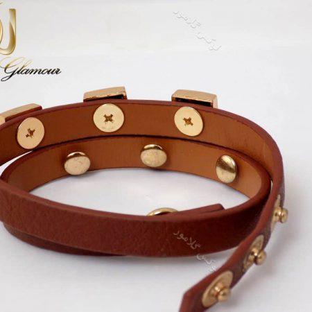 دستبند چرمی دخترانه قهوه ای نازک ds-n129 از پشت