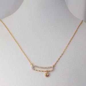 ست دستبند و گردنبند طرح طلا ظریف زنانه se-n108 گردنبددن بر روی استند