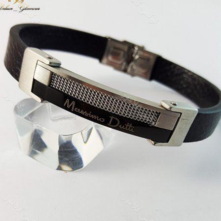 دستبند چرمی مردانه تک ردیفه مشکی نقره ای با قفل جعبه ای ch-101 کنار استند
