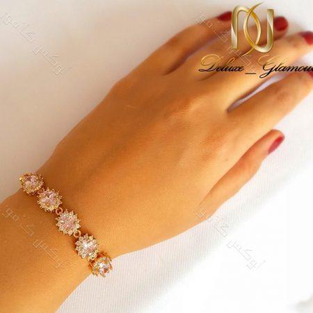 دستبند دخترانه نگین دار ژوپینگ xuping صورتی ds-n130 روی دست