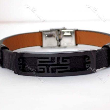 دستبند مردانه چرمی با پلاک متحرک مشکی تک ردیفه ds-n150