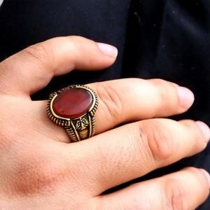 انگشتر مردانه عقیق استیل با روکش آب طلای 18 عیار pr-rm105 از نمای دور