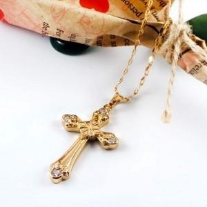 گردنبند دخترانه ژوپینگ طرح صلیب نگین دار با روکش آب طلای 18 عیار PR-G106 از نمای کنار