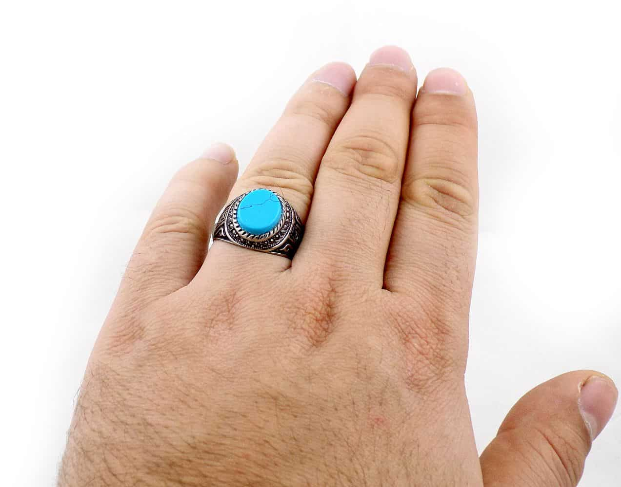 انگشتر مردانه استیل با طرح ورساچه و سنگ طرح فیروزه pr-ma114 از نمای بالا