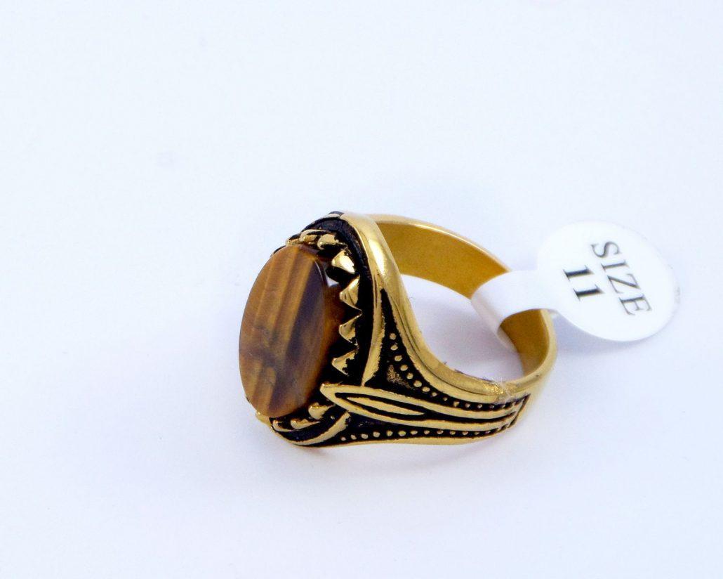 انگشتر مردانه استیل سنگ عقیق با روکش آب طلای 18 عیار pr-m110 از نمای پایین