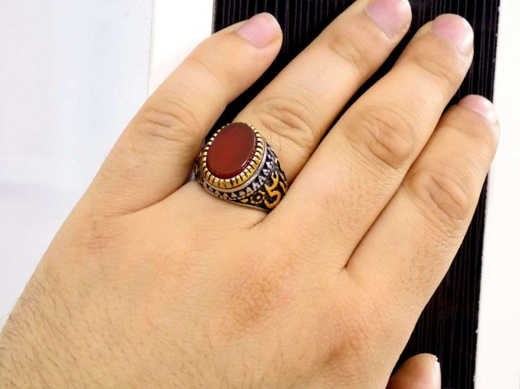 انگشتر مردانه استیل طرح سنگ عقیق با نقش برجسته یا علی pr-ma113 از نمای روبرو