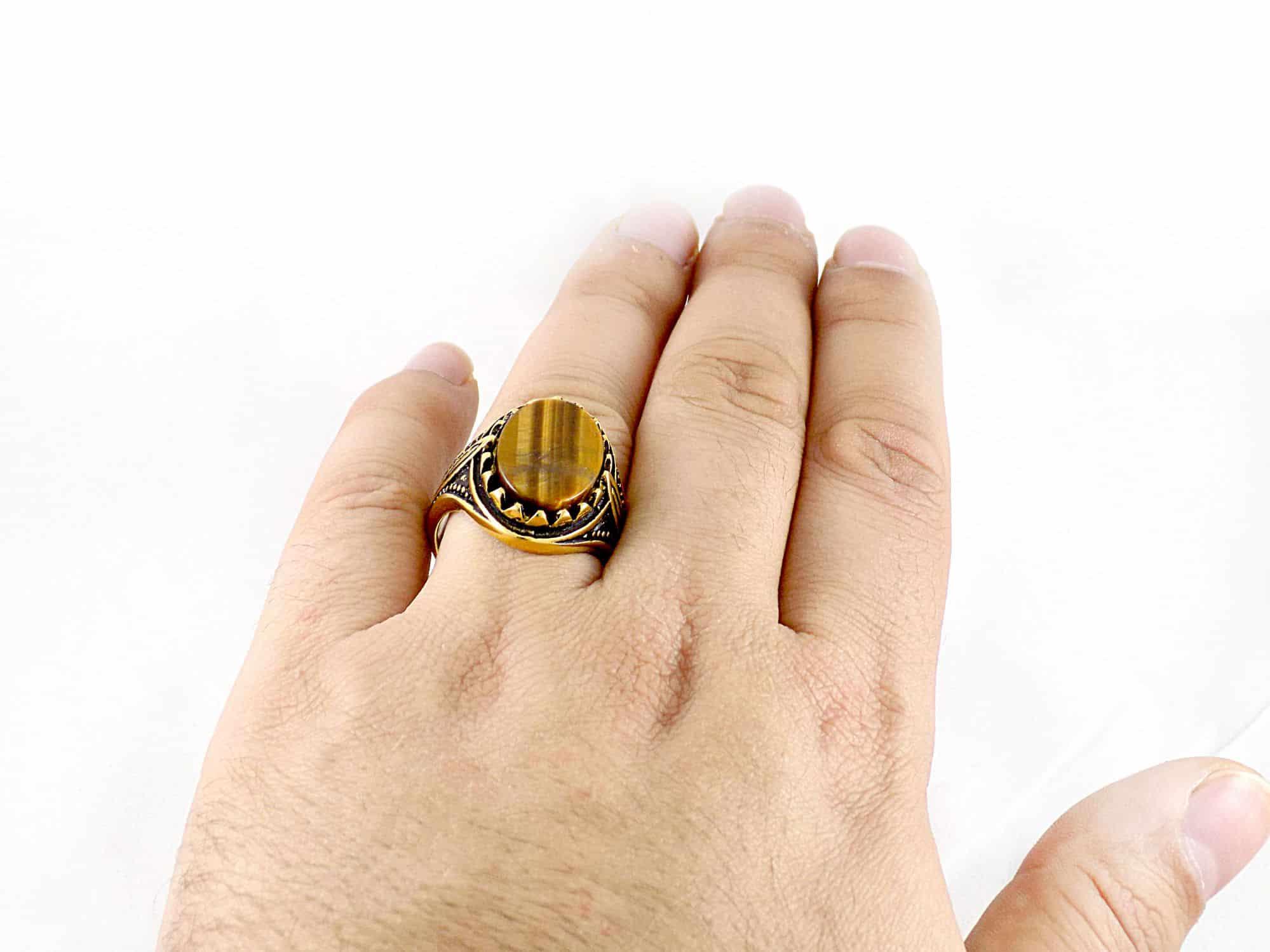 انگشتر مردانه استیل طرح عقیق با روکش آب طلای 18 عیار pr-ma112 از نمای بالا