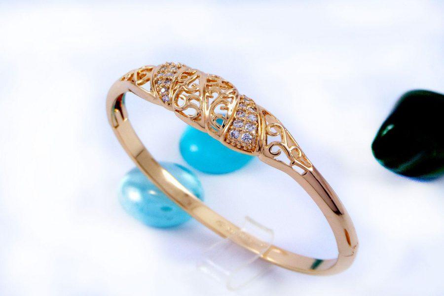 دستبند دخترانه ژوپینگ با نگین های کریستالی سفید زیرکن و روکش آب طلای 18 عیار ds-n157