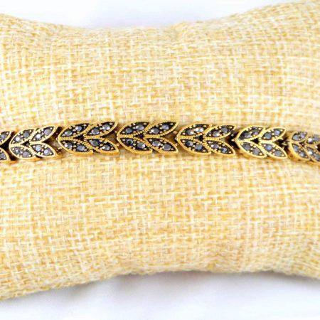 دستبند زنانه استیل نگین مارکازیت مشکی با قطر 2 و طول 22 سانتی ds-n160 از نمای روبرو