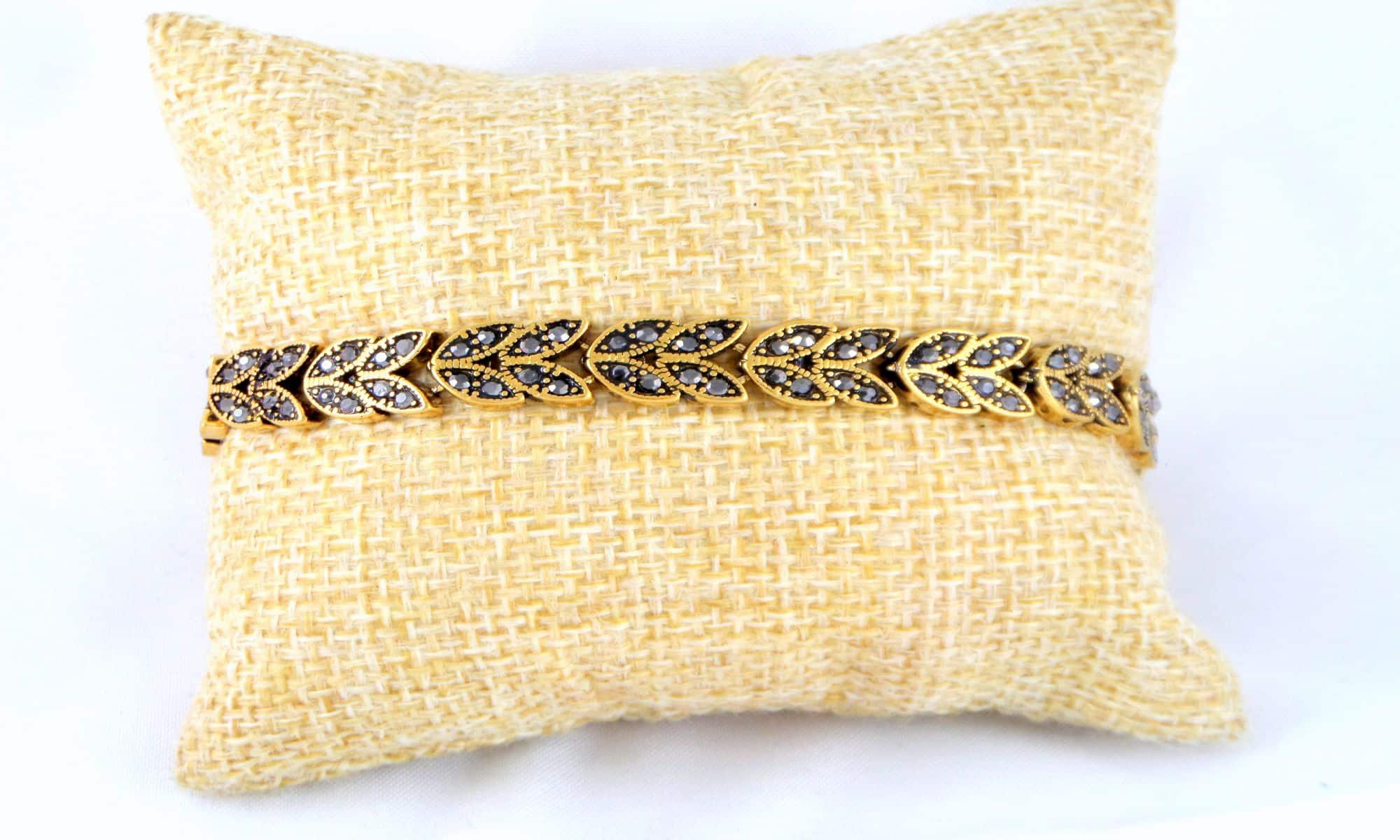 دستبند زنانه استیل نگین مارکازیت مشکی با قطر 2  و طول 22 سانتی ds-n160