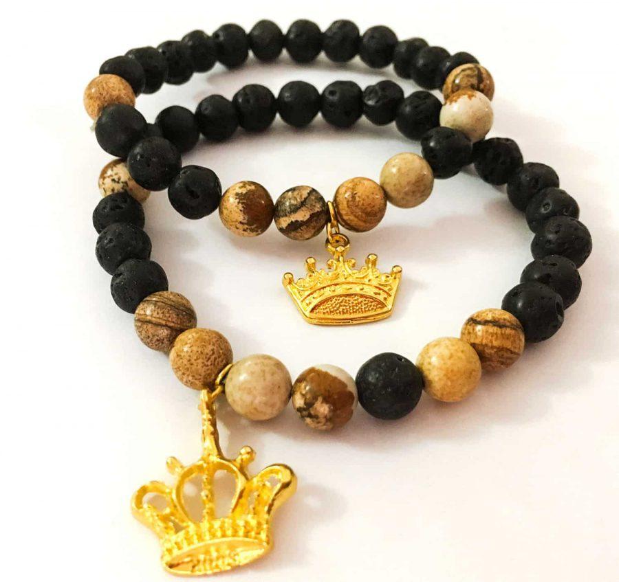 دستبند ست دخترانه و پسرانه سنگی مشکی قهوه ای طرح کینگ و کویین ah-d103 از نمای روبرو