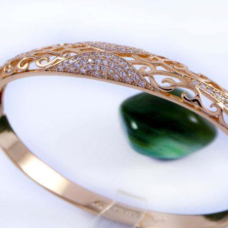 دستبند ژوپینگ با قطر 57 میلی متری و نگین های کریستالی سفید زیرکن ds-n159 از نمای بالا