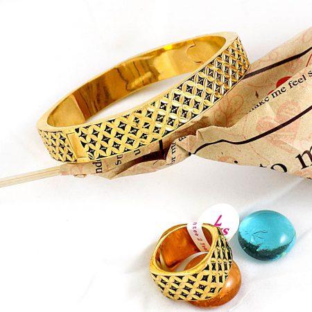 ست دستبند و انگشتر استیل طرح مارکازیت با روکش آب طلای 18 عیار gl-s101 از نمای بالا
