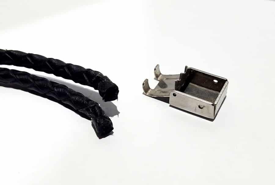 نحوه تغییر سایز دستبند برش چرم دستبند