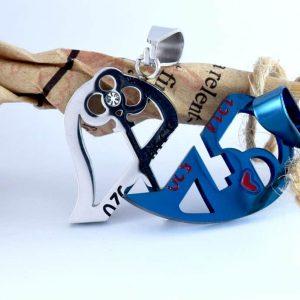 پلاک ست دخترانه و پسرانه استیل طرح قلب رنگ آبی و نقره ای pr-fmp107 از نمای روبرو