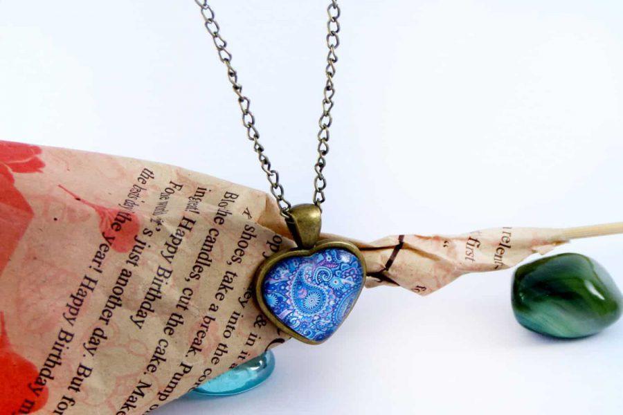 گردنبند رومانتویی دخترانه شیشه ای طرح قلب آبی با زنجیر 37 سانتی pr-ma112