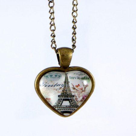 گردنبند رومانتویی رزینی طرح قلب با نقش برج ایفل و زنجیر 37 سانتی pr-ma114 از نمای روبرو