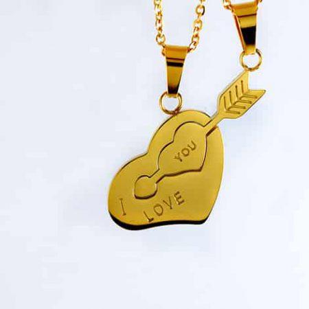 گردنبند ست دخترانه و پسرانه قلب و تیر استیل با روکش آب طلای 18 عیار pr-fmp104 از نمای روبرو