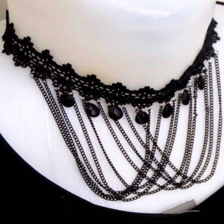 گردنبند چوکر گیپوری آویز زنجیری با نگین های مشکی pr-d102 از نمای کنار