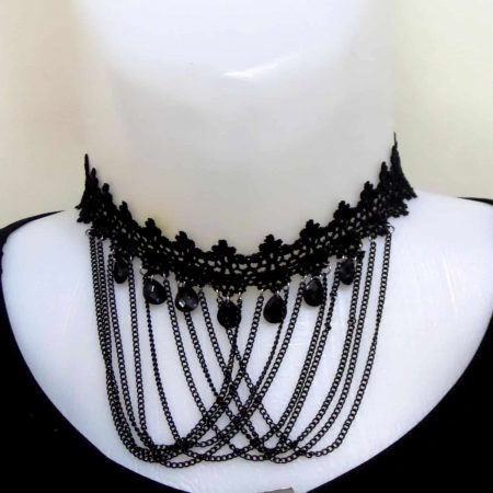 گردنبند چوکر گیپوری آویز زنجیری با نگین های مشکی pr-d102 از نمای روبرو