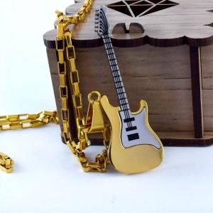 گردنبند گیتار استیل دو رنگ طلایی و نقره ای با زنجیر آجری طلایی pr-g115 از نمای روبرو