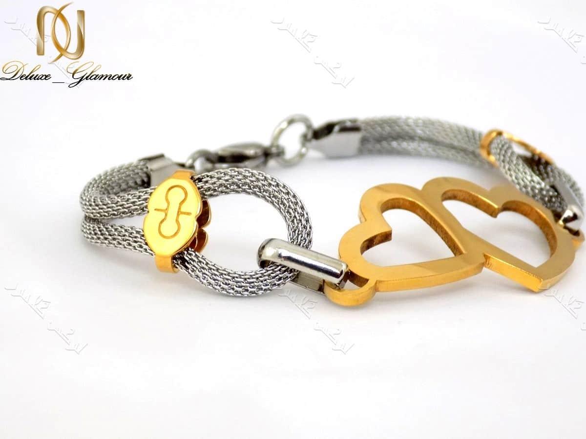دستبند دخترانه طرح قلب طلایی نقره ای با بدنه استیل Ds-n150 عکس از بغل