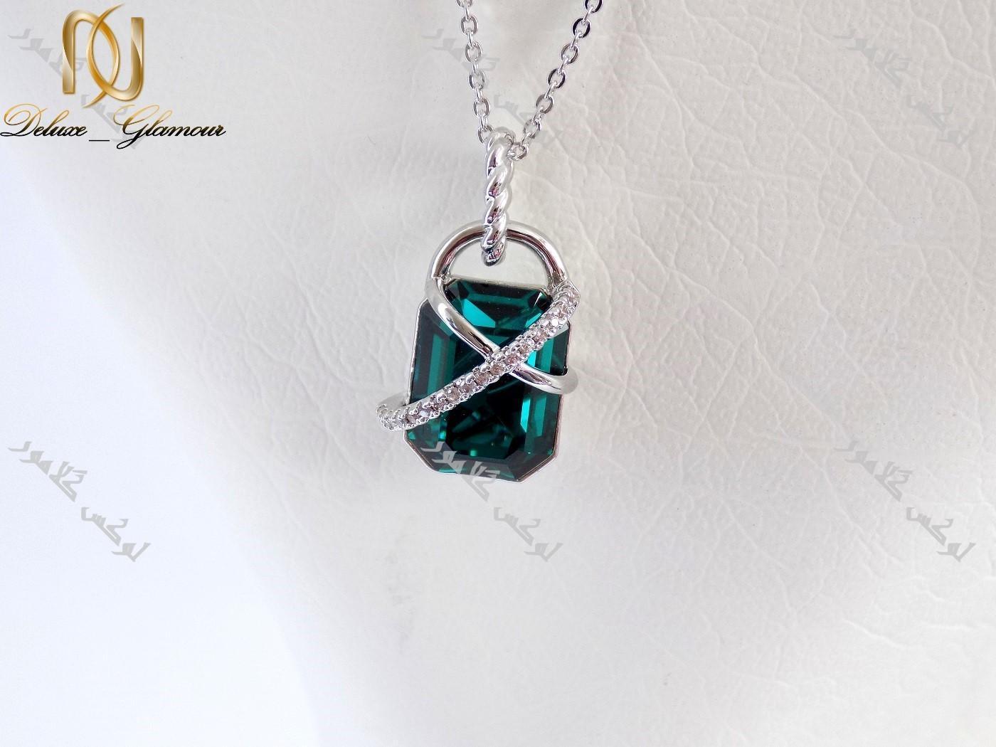 گردنبند ظریف دخترانه ژوپینگ با کریستال سه بعدی سبز سواروسکی Nw-n119