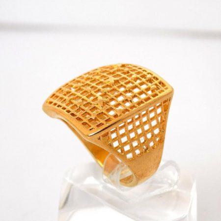 انگشتر زنانه طرح طلای برنجی تاج مربعی مدل توری Rg-n138 عکس از بغل انگشتر