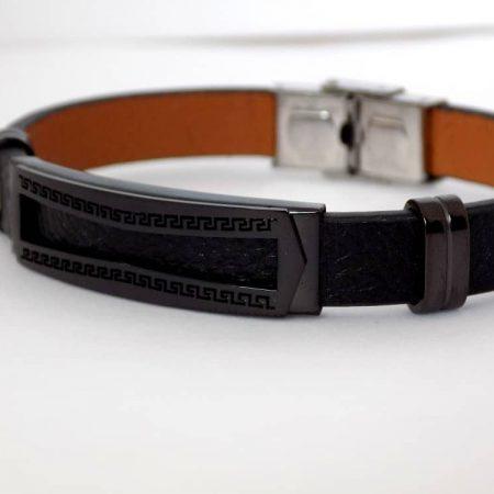 دستبند مردانه چرم و استیل تک ردیفه با پلاک متحرک مشکی ds-n157 عکس از بغل