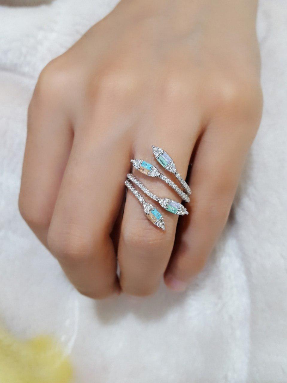 انگشتر دخترانه نقره ای کلیو با کریستالهای رنگارنگ سواروفسکی Rg-n170
