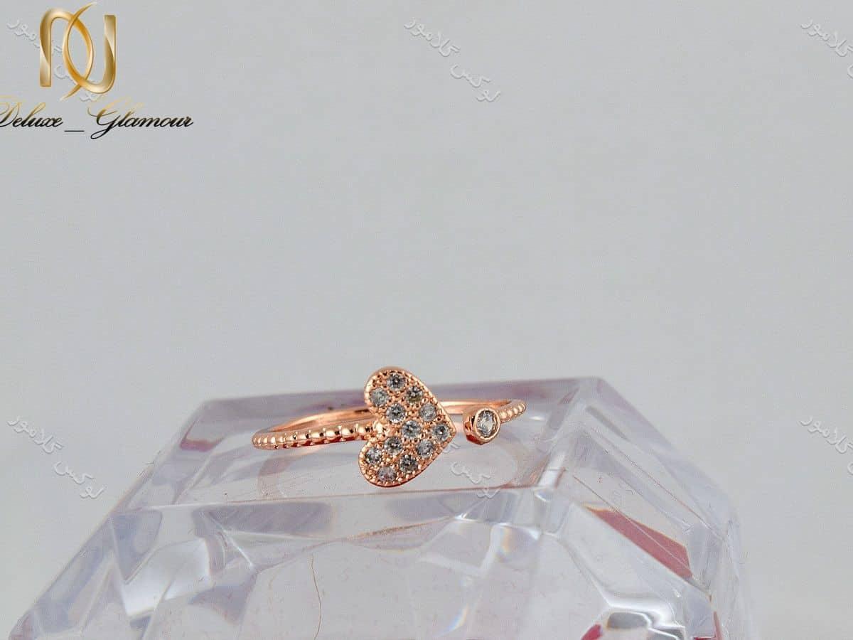 انگشتر بند انگشتی طرح قلب رزگلد کلیو با کریستالهای سواروفسکی Rg-n169 روی استند