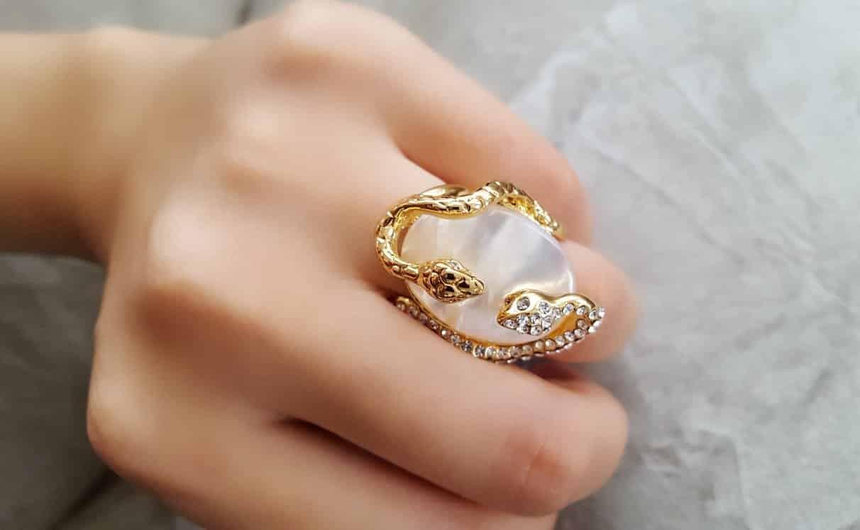 انگشتر زنانه و دخترانه طلایی طرح مار کلیو با کریستال های سواروسکی rg-n023 (9)