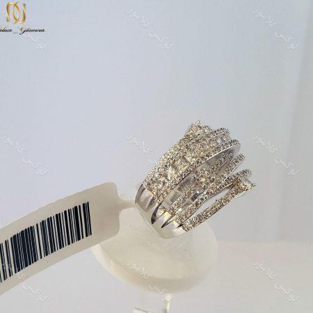 انگشتر نگین دار نقره ای کلیو با کریستال های سواروسکی rg-n025 از کنار