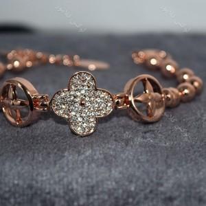 دستبند دخترانه طرح ون کلیف کلیو با کریستالهای سواروسکی Ds-n190 روی استند