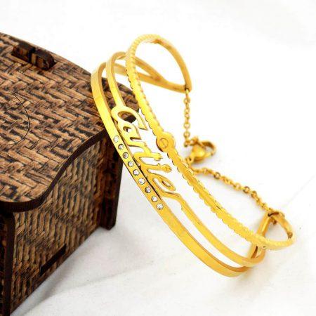 دستبند زنانه استیل طرح کارتیه با روکش آب طلای عیار ds-n174 از نمای روبرو