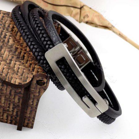دستبند مردانه چرم طرح گوچی با رویه استیل و چرم طرح بافت وساده ds-n184 از نمای نزدیک