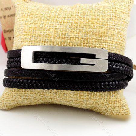 دستبند مردانه چرم طرح گوچی با رویه استیل و چرم طرح بافت وساده ds-n184 از نمای روبرو