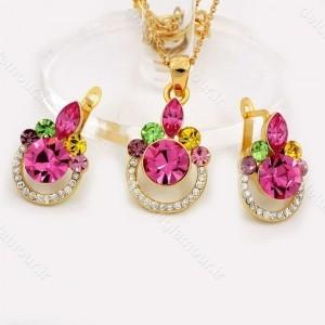 نیم ست دخترانه جواهری طلایی برند کلیو با نگین های رنگی اصل سواروسکی ns-n156 از نمای روبرو