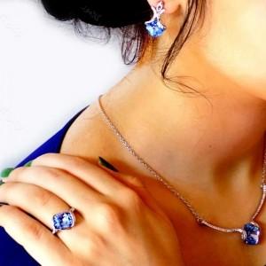 نیم ست سه تیکه جواهری کلیو با نگین های سواروسکی آبی رنگ ns-n161 از نمای بالا