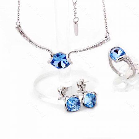 نیم ست سه تیکه جواهری کلیو با نگین های سواروسکی آبی رنگ ns-n161 از نمای روبرو