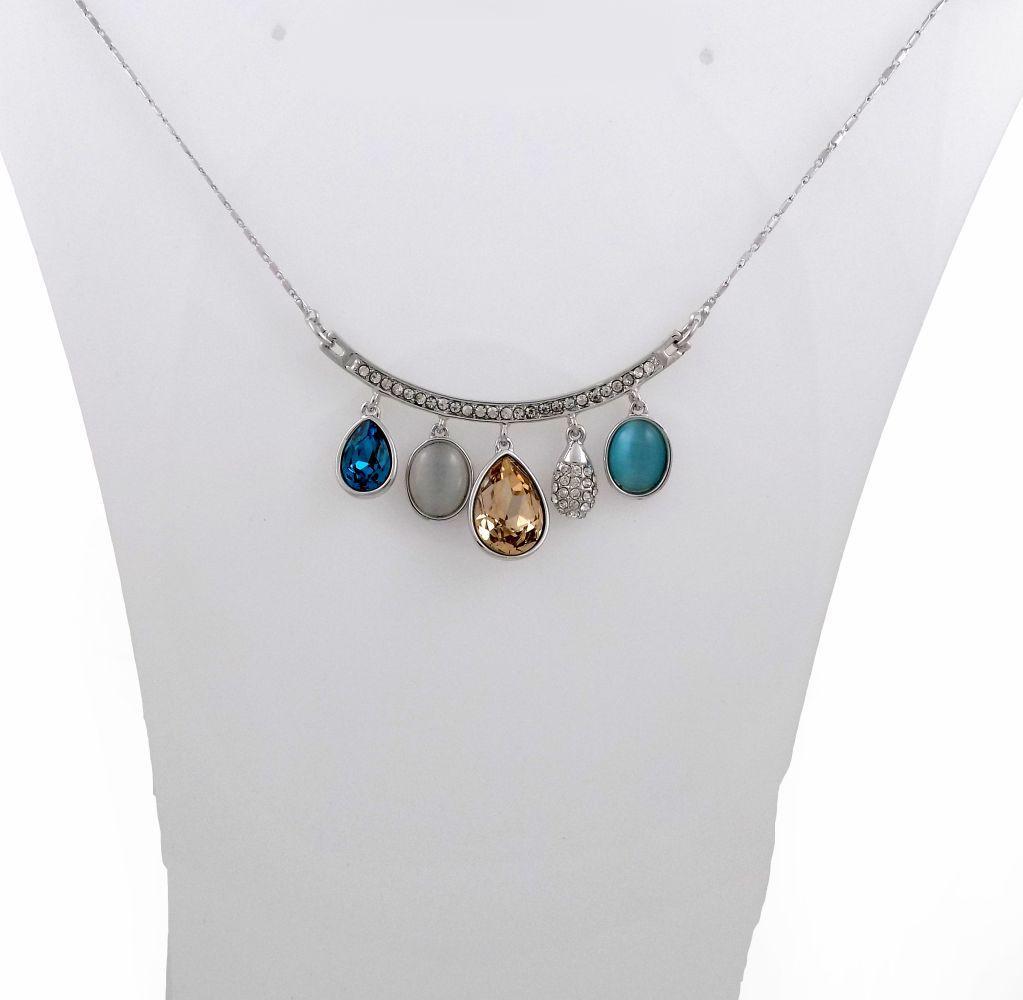 گردنبند دخترانه جواهری کلیو با نگین های رنگی سواروسکی اصل Nw-n132 از نمای روی استند