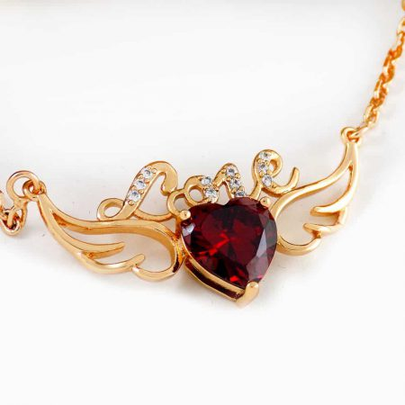 گردنبند دخترانه ژوپینگ با طرح آنجل و نگین قرمز طرح قلب nw-n135 از نمای کنار