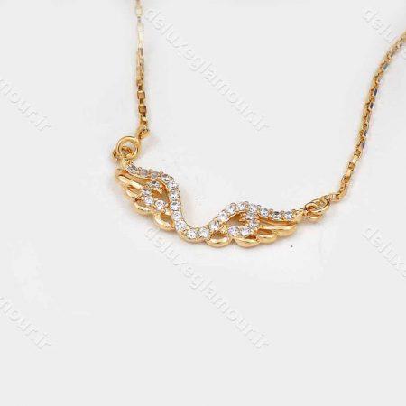 گردنبند دخترانه ژوپینگ با طرح بال فرشته و نگین های سفید زیرکونیا nw-n142 از نمای کنار