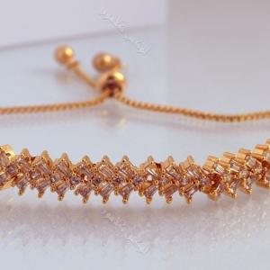 دستبند ظریف طلایی دخترانه نگیندار کلیو با کریستالهای سواروفسکی Ds-n182 عکس اصلی